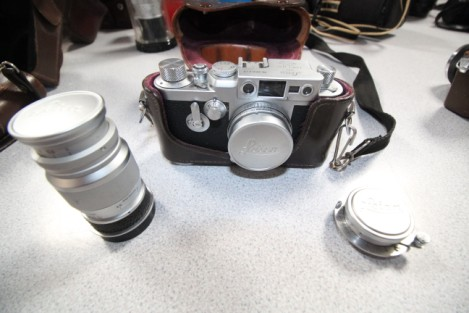 Leica 35mm camera with leather case & 3 lenses £500.