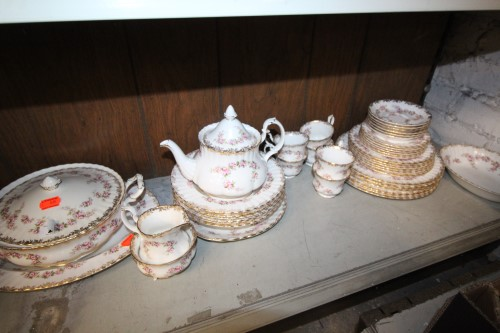 Royal albert part dinner service £125
